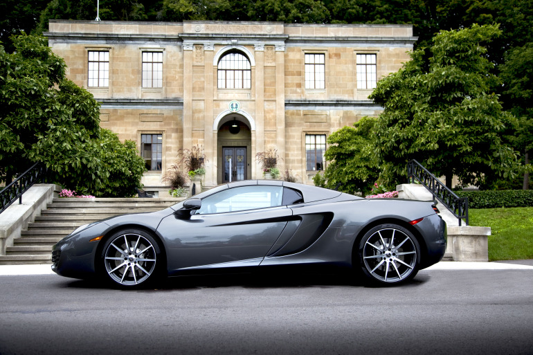 48 hrs in McLaren's 616 hp go-fast device: the brilliant 12C Spider - slide 1
