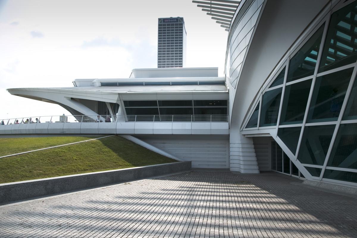 Wisconsin's lonely Calatrava - slide 6