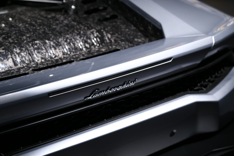 In photos: Lamborghini's NYC Huracan debut - slide 3