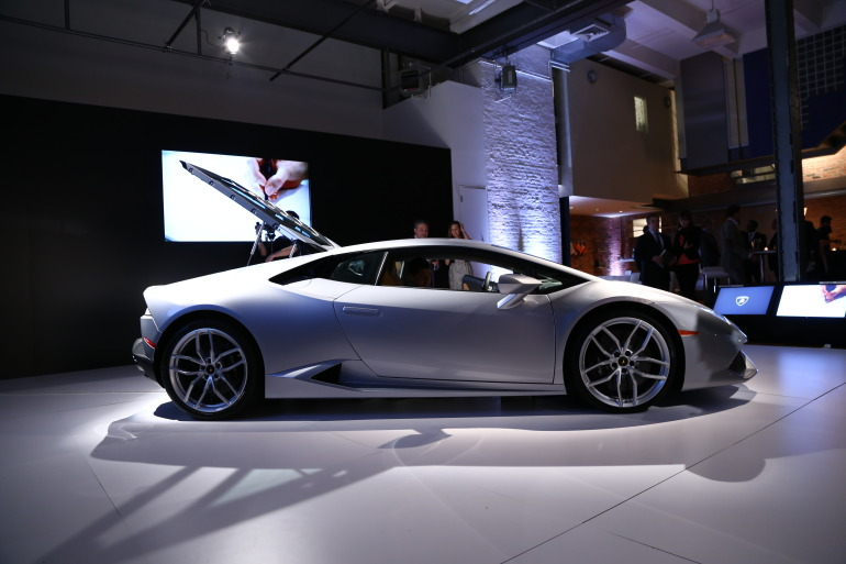 In photos: Lamborghini's NYC Huracan debut - slide 4