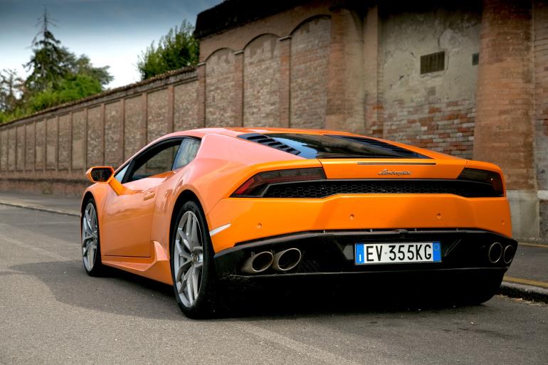 Enjoying Lamborghini's 610 hp Huracan the Bolognese way! - slide 3