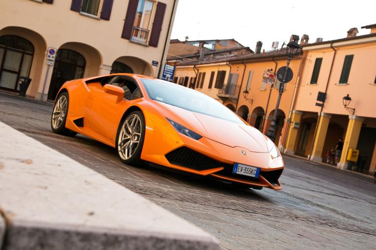 Enjoying Lamborghini's 610 hp Huracan the Bolognese way! - slide 14