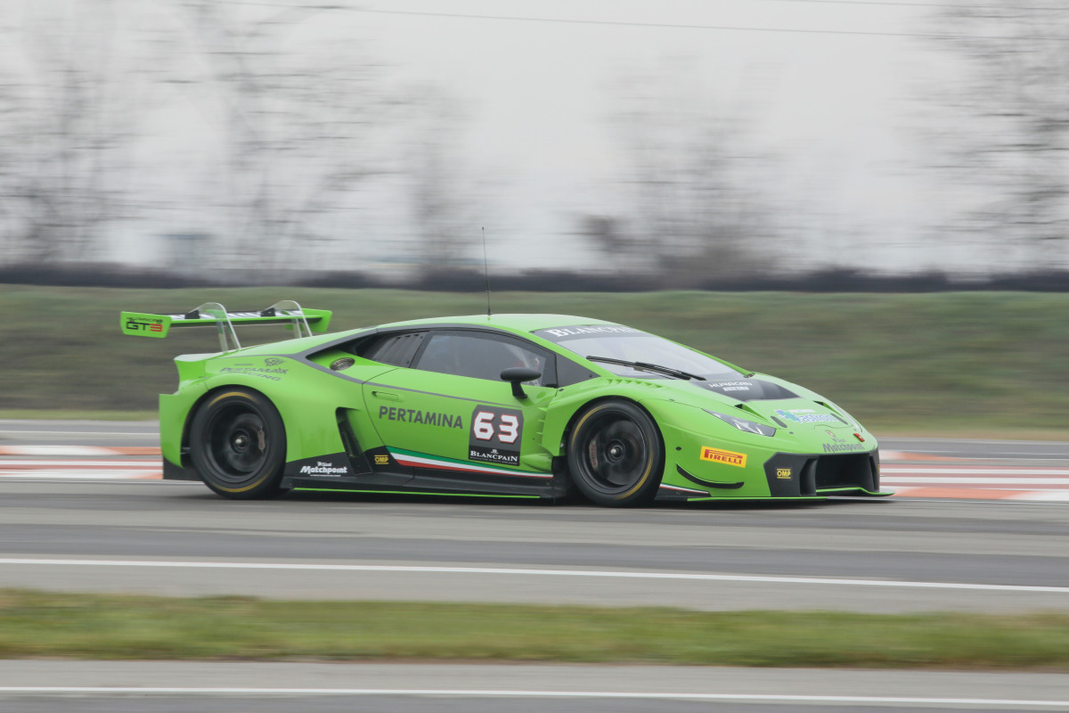 Lamborghini's new Huracan GT3 is green-to-go for the 2015 Blancpain Endurance Series - slide 6