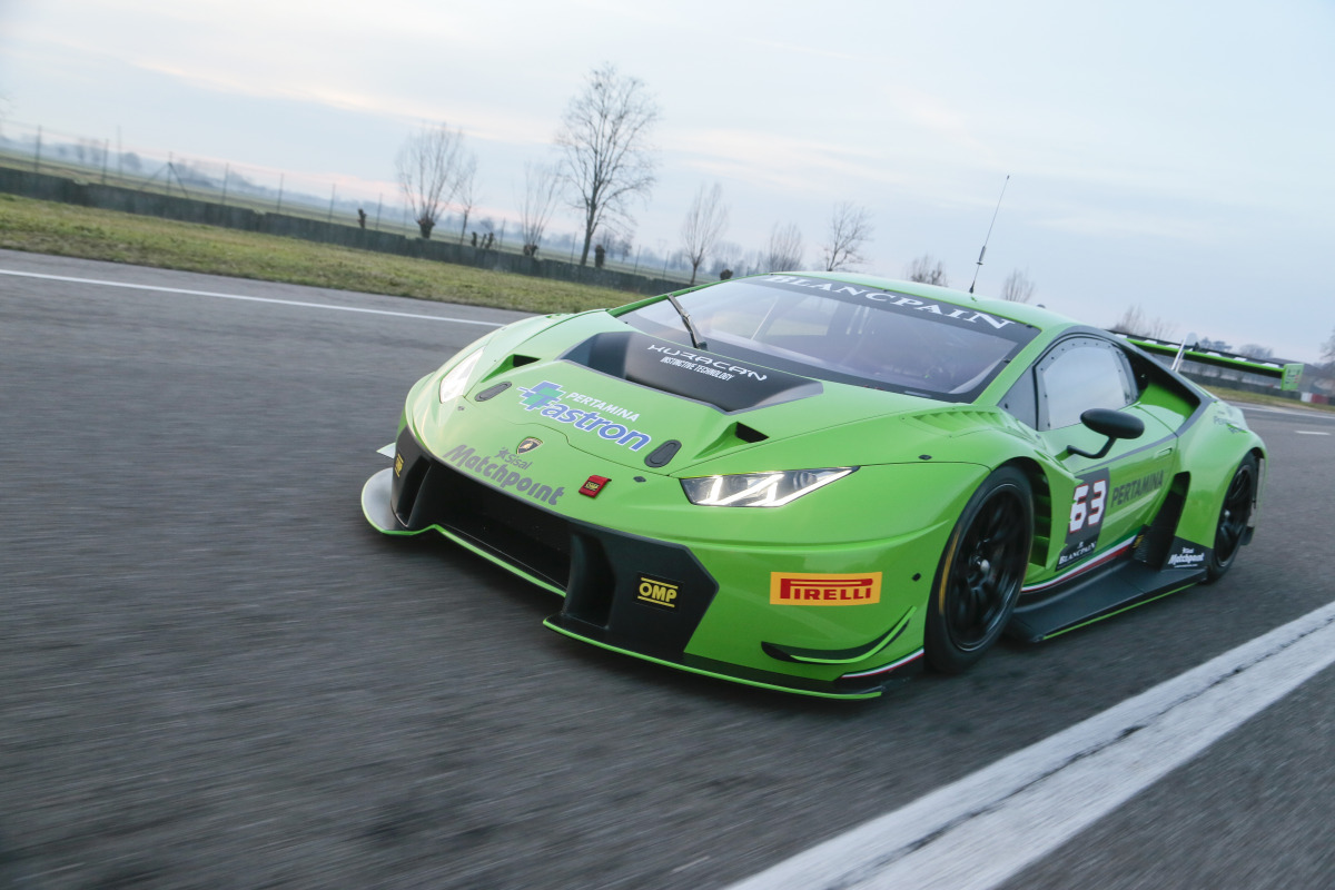 lamborghini 39 s new huracan gt3 is green to go for the 2015 blancpain endur. Black Bedroom Furniture Sets. Home Design Ideas