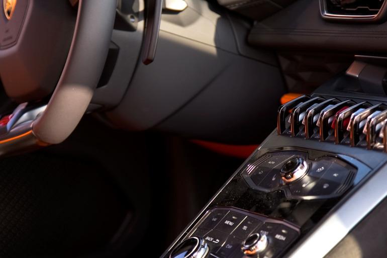 Enjoying Lamborghini's 610 hp Huracan the Bolognese way! - slide 10
