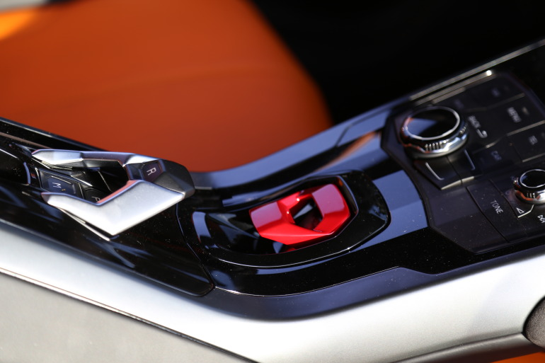 Enjoying Lamborghini's 610 hp Huracan the Bolognese way! - slide 12