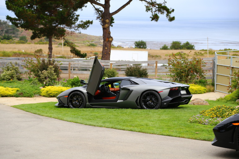 ANGUS vs AVENTADOR: Lamborghini's 700 hp destroyer of pavement laden worlds - slide 22