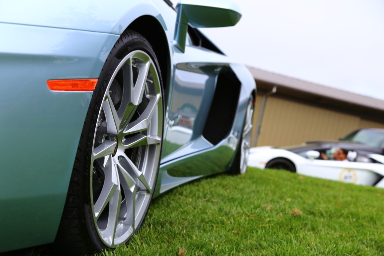 ANGUS vs AVENTADOR: Lamborghini's 700 hp destroyer of pavement laden worlds - slide 30