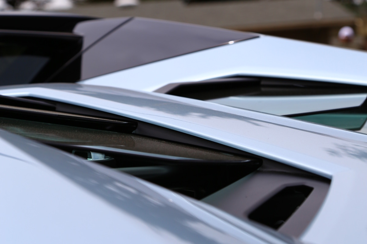 ANGUS vs AVENTADOR: Lamborghini's 700 hp destroyer of pavement laden worlds - slide 32