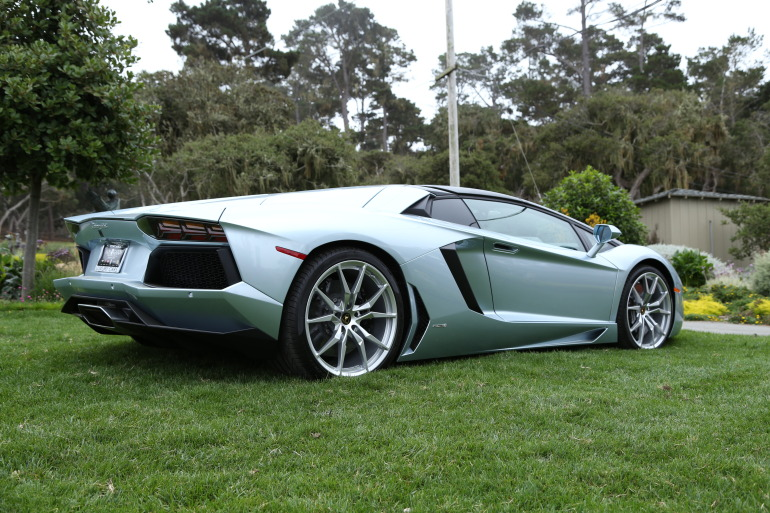 ANGUS vs AVENTADOR: Lamborghini's 700 hp destroyer of pavement laden worlds - slide 40