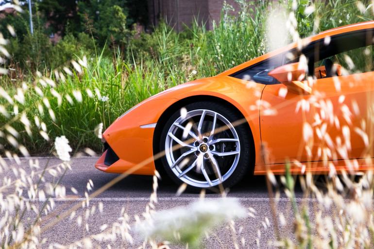 Enjoying Lamborghini's 610 hp Huracan the Bolognese way! - slide 5