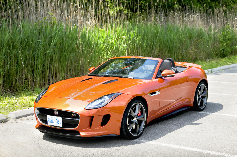 C/D/E/F! Jaguar's 495hp F-type roadster is the one true heir to the E-type throne - slide 2