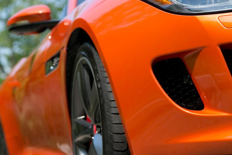 C/D/E/F! Jaguar's 495hp F-type roadster is the one true heir to the E-type throne - slide 3