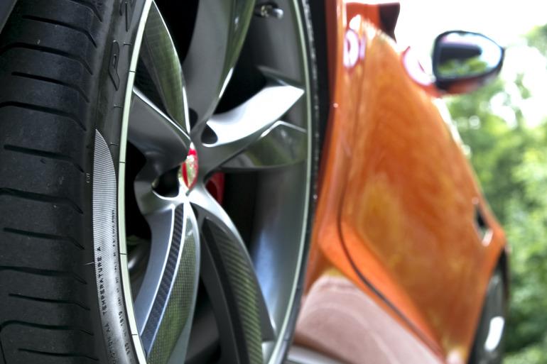 C/D/E/F! Jaguar's 495hp F-type roadster is the one true heir to the E-type throne - slide 10