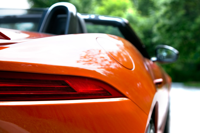 C/D/E/F! Jaguar's 495hp F-type roadster is the one true heir to the E-type throne - slide 12