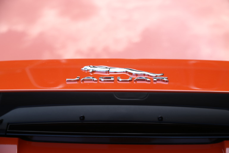 C/D/E/F! Jaguar's 495hp F-type roadster is the one true heir to the E-type throne - slide 22