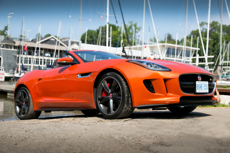 C/D/E/F! Jaguar's 495hp F-type roadster is the one true heir to the E-type throne - slide 20