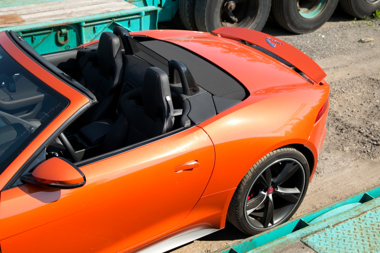 C/D/E/F! Jaguar's 495hp F-type roadster is the one true heir to the E-type throne - slide 25