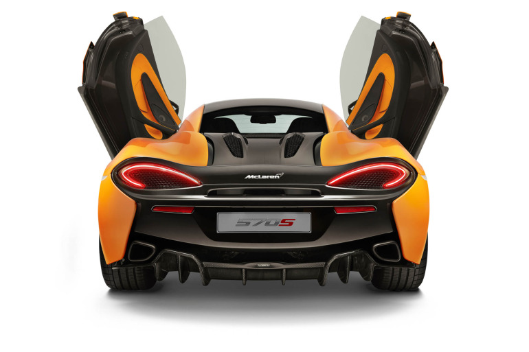 570S – McLaren unveils its new 570 hp Porsche-rivalling econobox at NYC Auto Show - slide 13