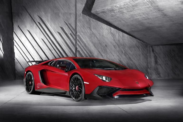 GENEVA AUTO SHOW 2015: DAY 1  – Lamborghini, Bentley, Infiniti, Koenigsegg - slide 29