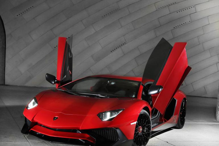 GENEVA AUTO SHOW 2015: DAY 1  – Lamborghini, Bentley, Infiniti, Koenigsegg - slide 19