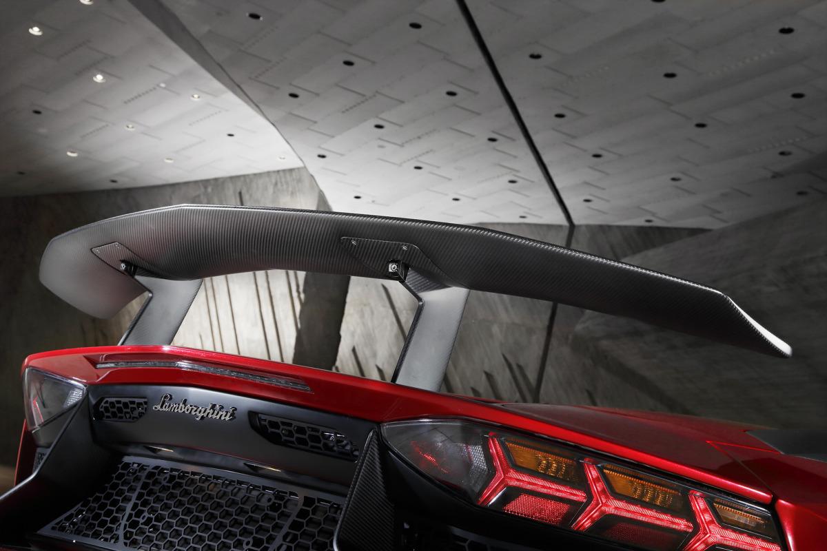GENEVA AUTO SHOW 2015: DAY 1  – Lamborghini, Bentley, Infiniti, Koenigsegg - slide 23