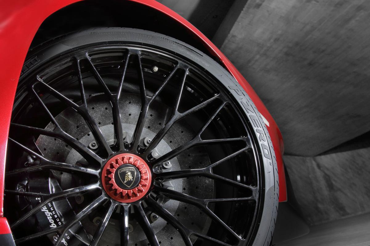 GENEVA AUTO SHOW 2015: DAY 1  – Lamborghini, Bentley, Infiniti, Koenigsegg - slide 25
