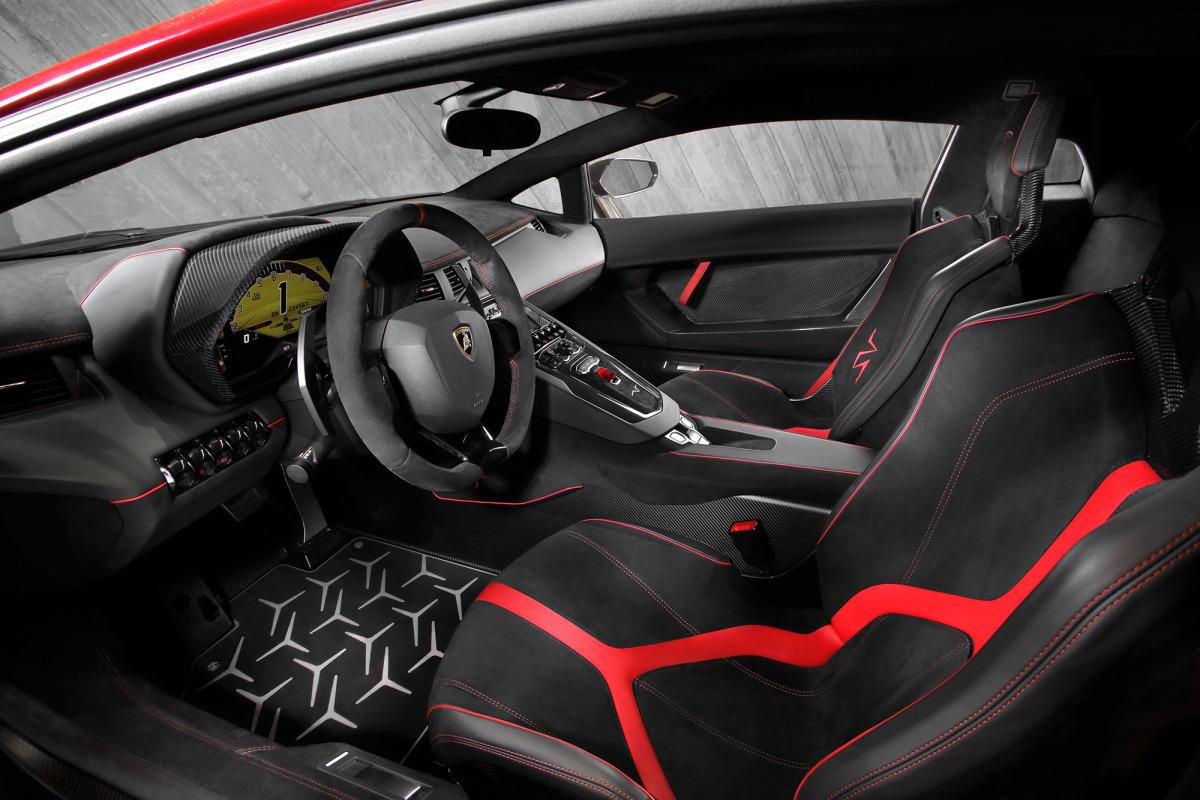 GENEVA AUTO SHOW 2015: DAY 1  – Lamborghini, Bentley, Infiniti, Koenigsegg - slide 26