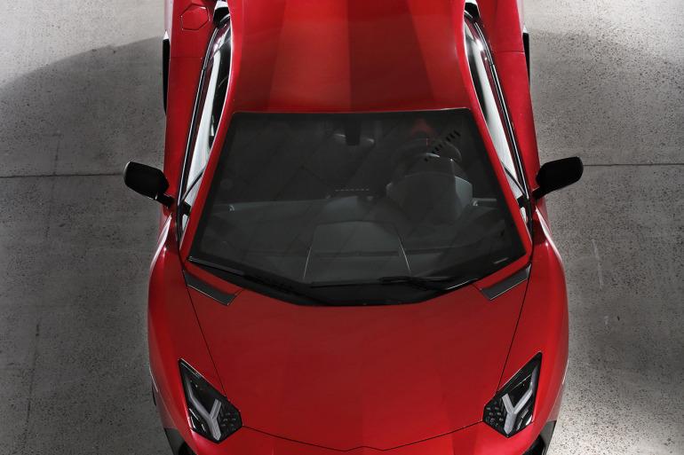 GENEVA AUTO SHOW 2015: DAY 1  – Lamborghini, Bentley, Infiniti, Koenigsegg - slide 30