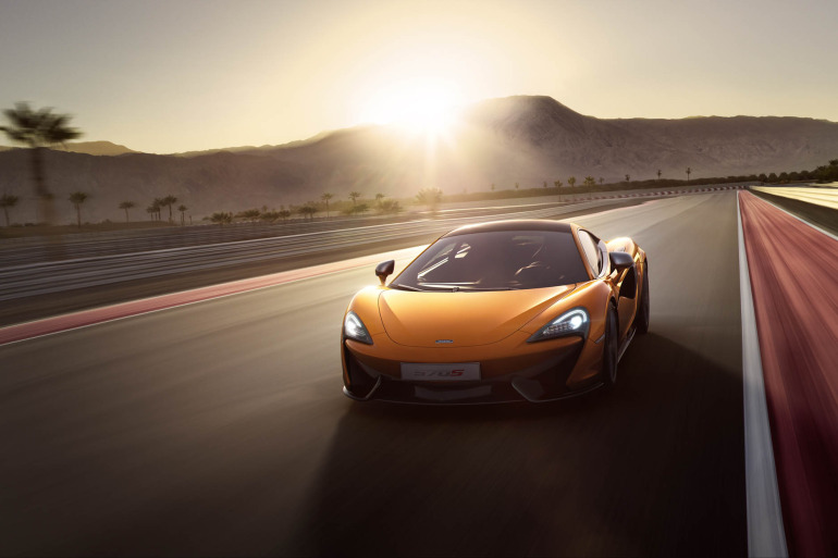 570S – McLaren unveils its new 570 hp Porsche-rivalling econobox at NYC Auto Show - slide 9