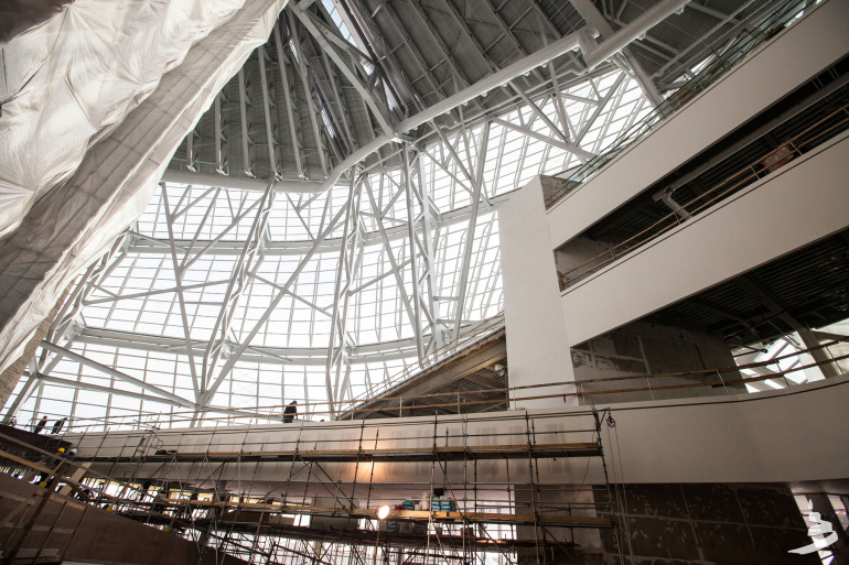 The new Canadian Museum for Human Rights gives Winnipeg serious architectural street cred - slide 29