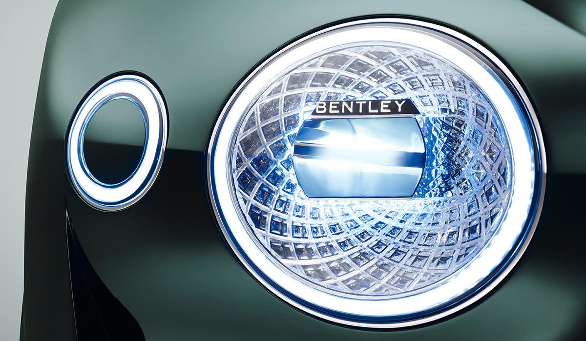GENEVA AUTO SHOW 2015: DAY 1  – Lamborghini, Bentley, Infiniti, Koenigsegg - slide 14