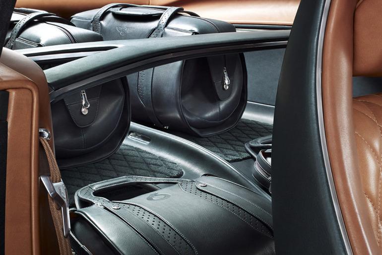 GENEVA AUTO SHOW 2015: DAY 1  – Lamborghini, Bentley, Infiniti, Koenigsegg - slide 17