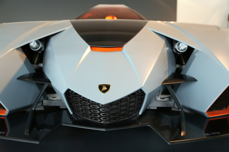 Interview: Lamborghini's CEO Stephan Winkelmann & Design Director, Filippo Perini - slide 12