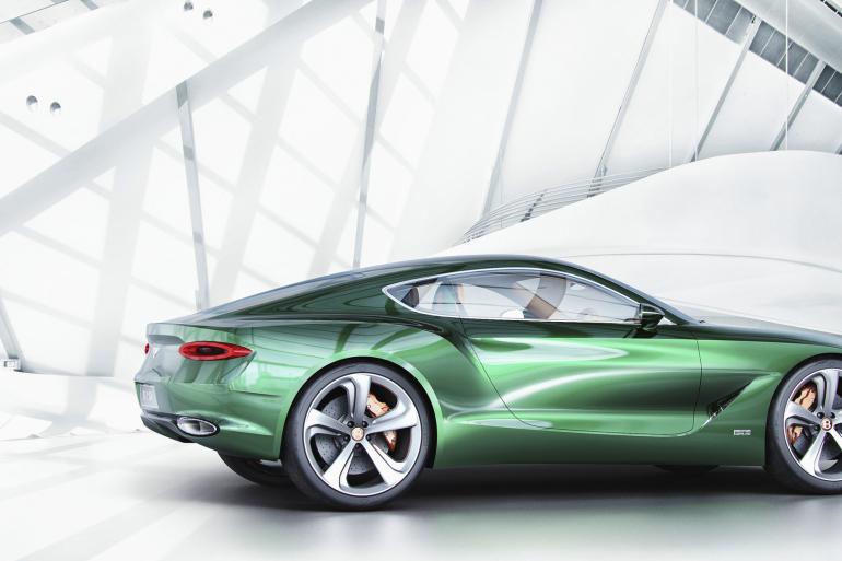 GENEVA AUTO SHOW 2015: DAY 1  – Lamborghini, Bentley, Infiniti, Koenigsegg - slide 18