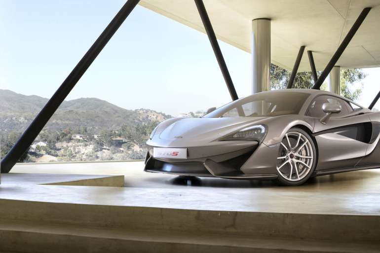 570S – McLaren unveils its new 570 hp Porsche-rivalling econobox at NYC Auto Show - slide 12