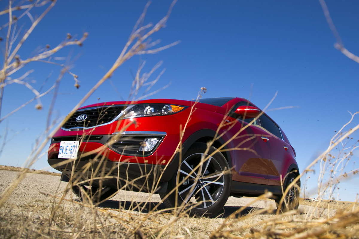 THE AGE OF SPORT: Kia's 260 hp AWD Sportage shows the Koreans are really not f*cking around - slide 2