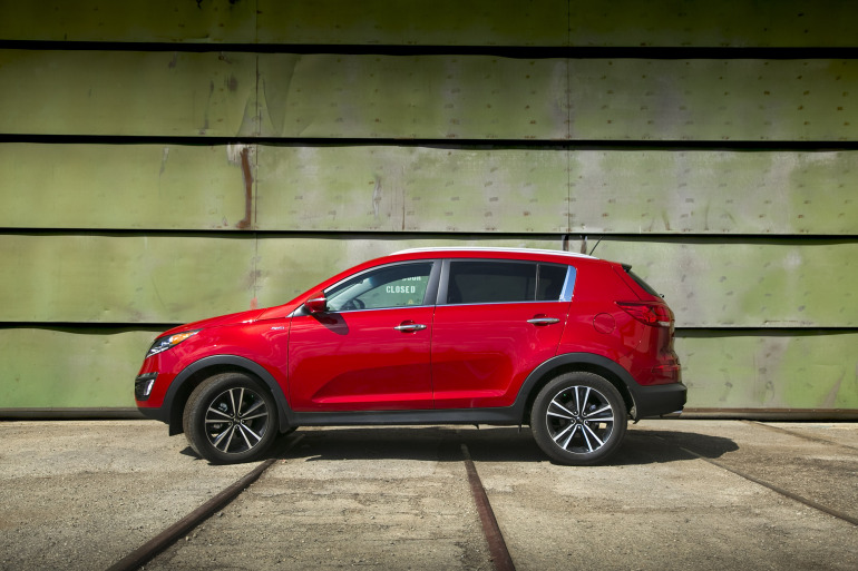 THE AGE OF SPORT: Kia's 260 hp AWD Sportage shows the Koreans are really not f*cking around - slide 16