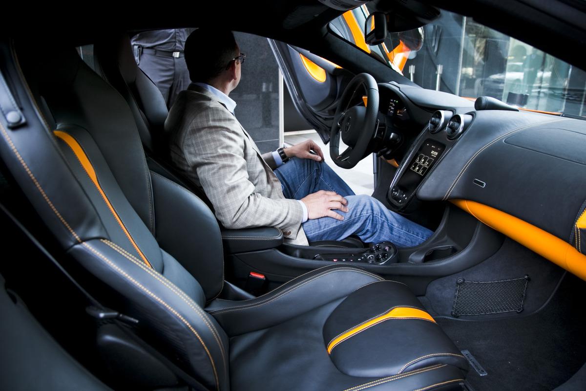 ORANGE CRUSH! McLaren debuts retina-altering 570S in Calgary - slide 22