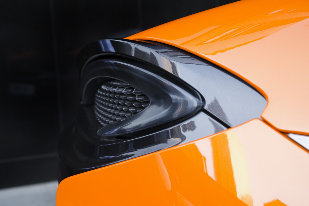 ORANGE CRUSH! McLaren debuts retina-altering 570S in Calgary - slide 32