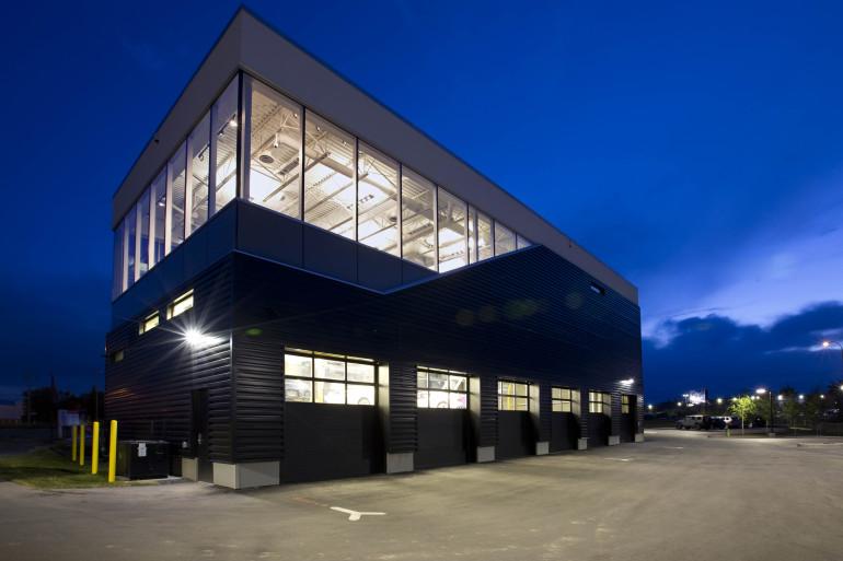 BULLY HOUSE! Lamborghini becomes a part of Calgary's southwestern skyline - slide 23