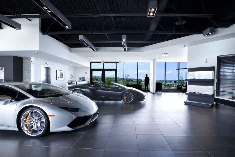 BULLY HOUSE! Lamborghini becomes a part of Calgary's southwestern skyline - slide 19