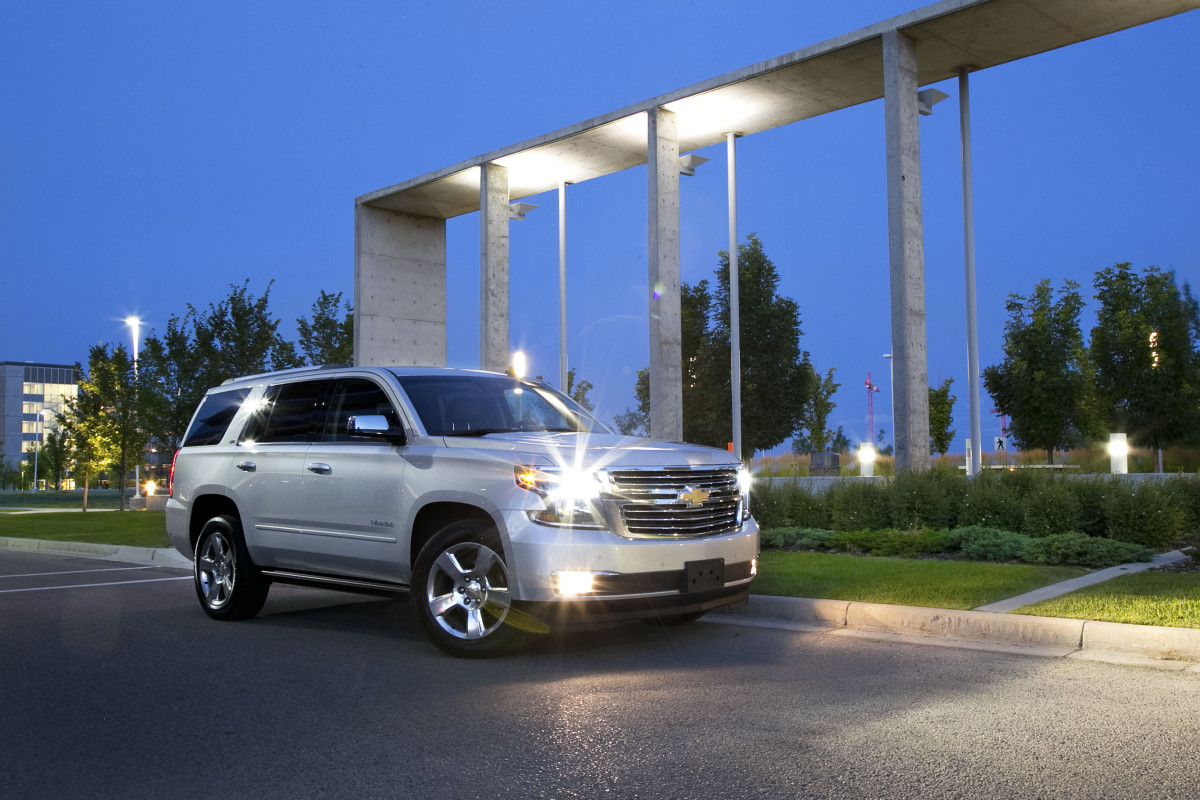 Catching grasshoppers & making photogenic in Chevy's premium-sized Tahoe LTZ - slide 6