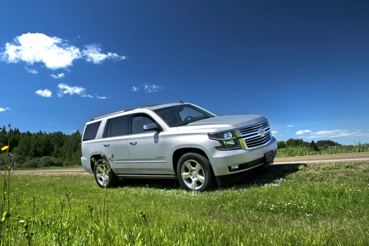 Catching grasshoppers & making photogenic in Chevy's premium-sized Tahoe LTZ - slide 2