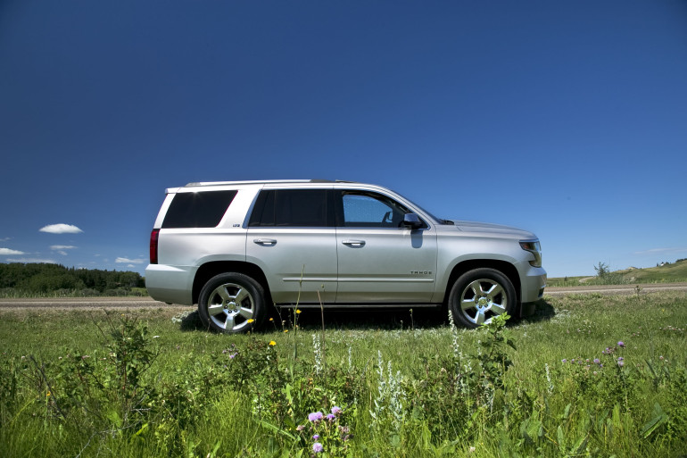 Catching grasshoppers & making photogenic in Chevy's premium-sized Tahoe LTZ - slide 1