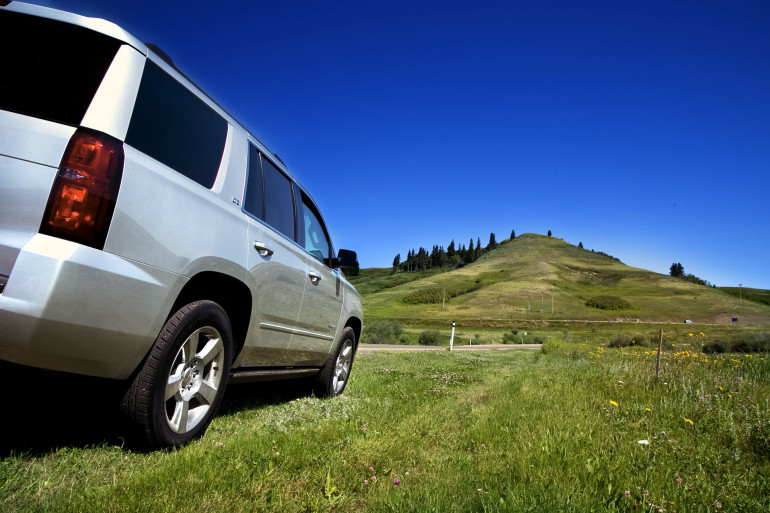 Catching grasshoppers & making photogenic in Chevy's premium-sized Tahoe LTZ - slide 3