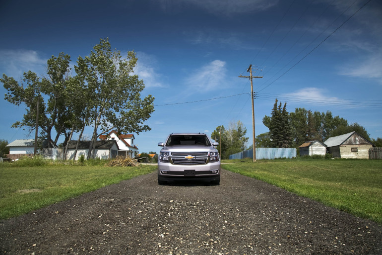 Catching grasshoppers & making photogenic in Chevy's premium-sized Tahoe LTZ - slide 4