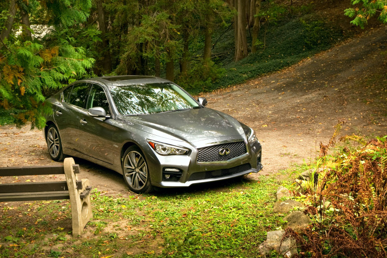 Infiniti's Q50 AWD Hybrid; a sleeper saloon in wolf's clothing - slide 2