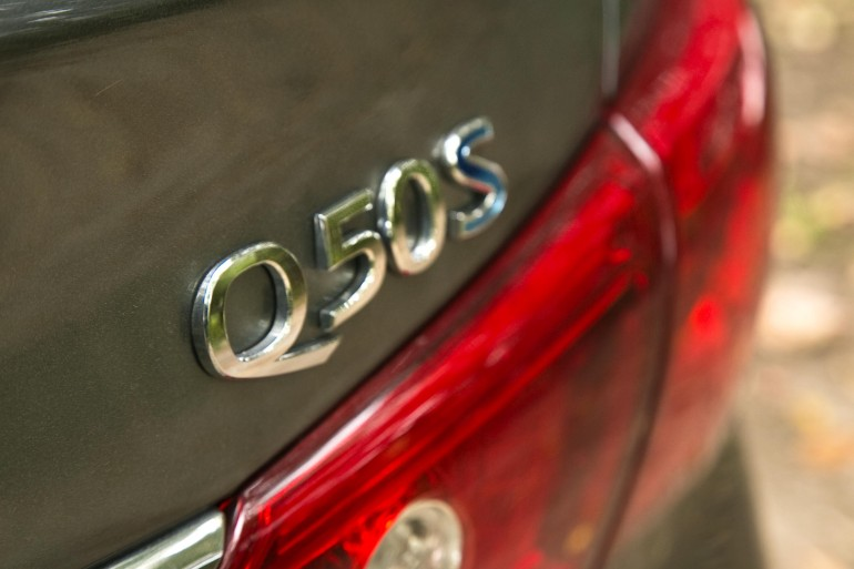 Infiniti's Q50 AWD Hybrid; a sleeper saloon in wolf's clothing - slide 8