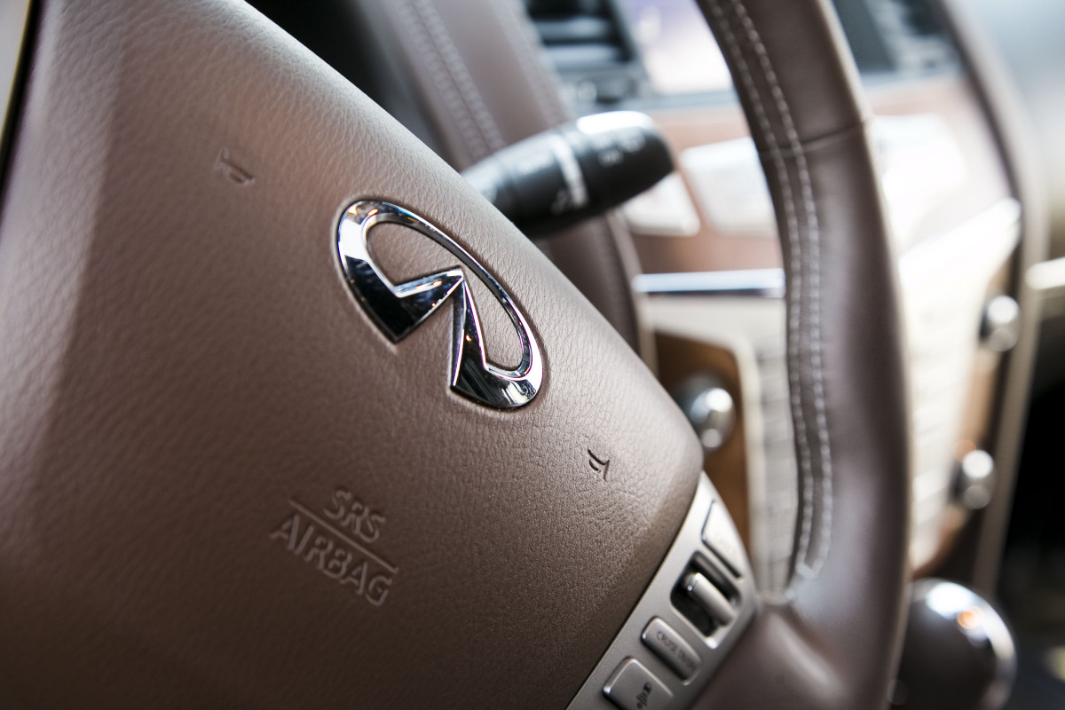 The polarizing flagship of luxury that is Infiniti's expansive QX80 Limited - slide 37